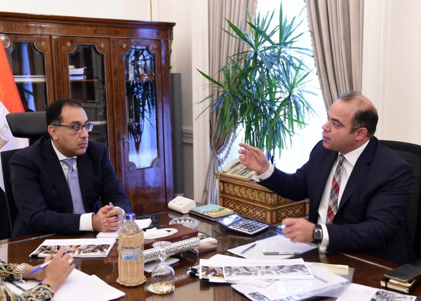Egypt-Prime-Minister-Meets-the-Egyptian-Exchange-C