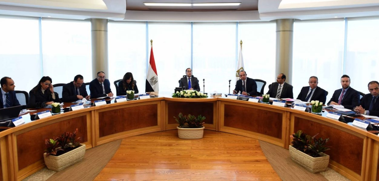 The-Egyptian-Prime-Minister-visits-the-Egyptian-Ex